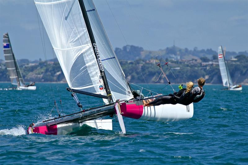 Gladwell's Line: A big fortnight for Women .. Sydney Hobart Furore