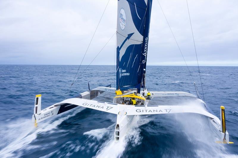 Brest Atlantiques - Maxi Edmond de Rothschild under the 1,000-mile barrier!