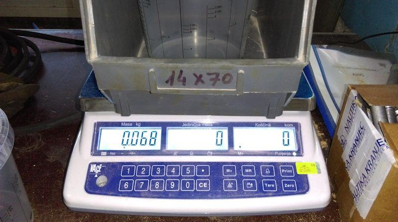 Some builders prefer to use digital scales throughout the project for a more precise calibration, especially if mixing very small quantities - photo © WSI