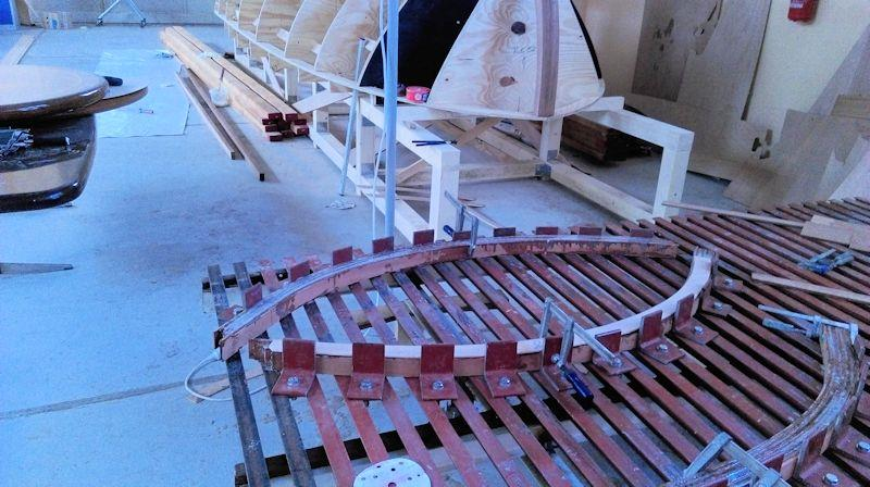 Smaller supports are assembled as opposing pieces - photo © WSI